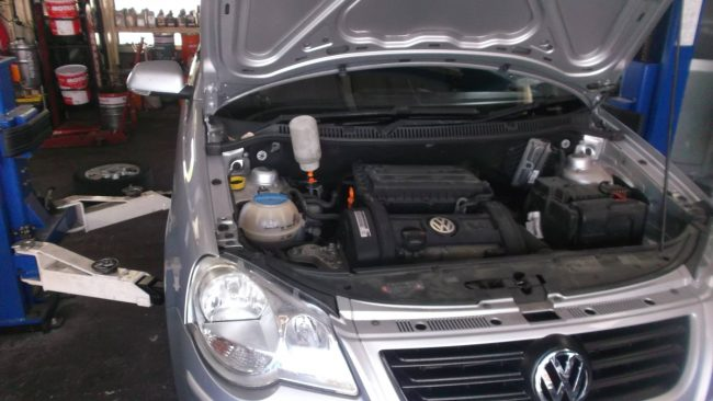 VW ポロ 9N型 劣化したブッシュの交換
